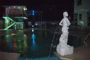 sports hotel pool